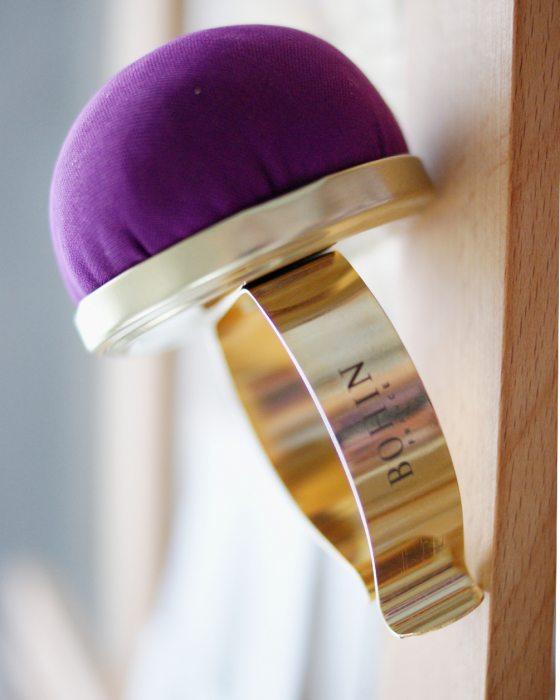 Bohin Velvet pincushion with metallic bracelet Purple color