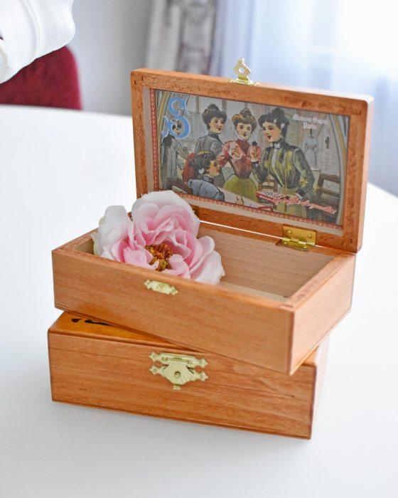 Sajou Wooden box
