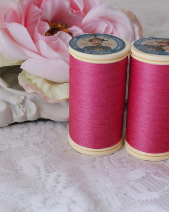 Fil Au Chinois Fuchsia color Gloving Thread