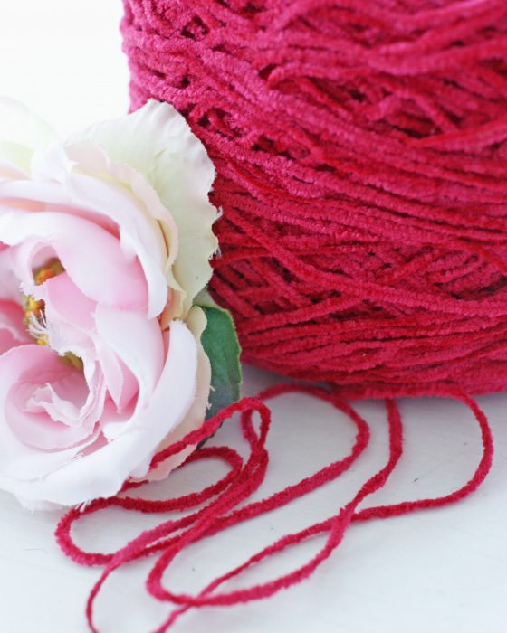 Red color Chenille Thread