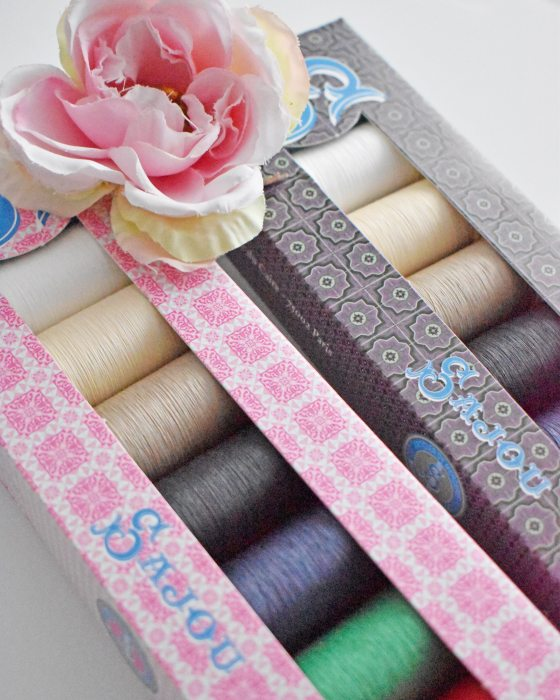 SAJOU Selection Box Eigth spools gloving thread