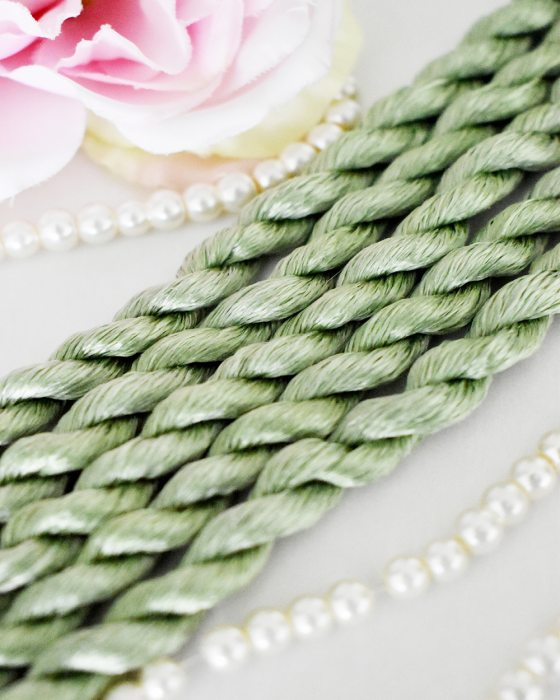 Serpentine color Non-Twisted Flat Silk Embroidery Thread